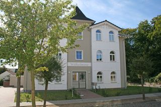 A: Villa Wilhelmine Whg. 03 Kreidezimmer mit Balkon Außenansicht