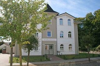 H: Villa Wilhelmine Whg. 03 Kreidezimmer mit Balkon Außenansicht