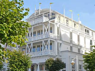 Villa Johanna F 593 WG 12 im 2.OG + 3 Balkone Villa Johanna im Ostseebad Sellin Hausansicht