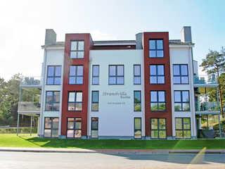 Strandvilla Baabe F 635 WG 16 mit großer Terrasse Die Außenansicht der Strandvilla Baabe im Ostse...
