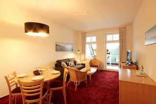 Ferienwohnung 225RB26, Villa Bellevue Premium Wohn- und Essbereich
