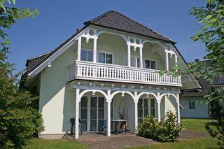 W.01 Haus Rügenwelle mit 4 komfortablen Wohnungen Hausansicht