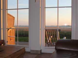 Reetdauchhaus Windsbraut - direkt hinter dem Deich! Wohnbereich mit Aussicht