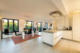 V22 Strandresidenz-Appartement in Prora inkl. Strandkorb Blick in den Innenraum