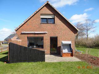 Ferienhaus Sander Garten mit Terrasse