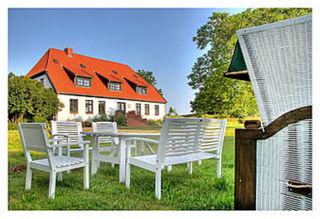 Gutshaus Ketelshagen - romantisch, ruhige Lage Sitzecke vor dem Gutzhaus