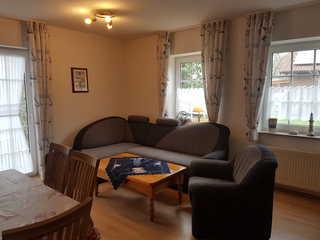 Ferienwohnung Langeoog Wohnzimmer mit Küchenzeile Langeoog