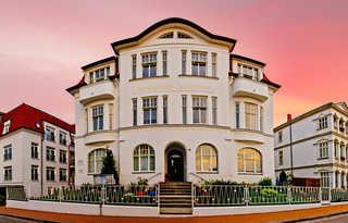 Strandvilla Imperator | Hotel & Ferienwohnungen auf Usedom Strandvilla Imperator - Ihr Urlaubshotel zum Wo...
