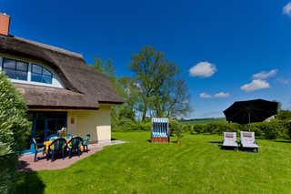 Reetdachhaus Eibe 2, 8 Personen, Kamin, Sauna, W-Lan mit schöner Terrasse