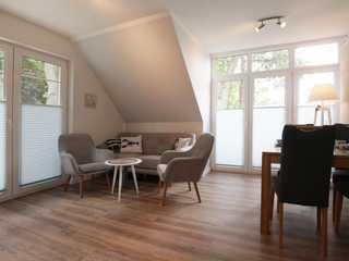 Strandvilla Whg. 3 Strandvilla App.3- heller Wohn- und Essbereich