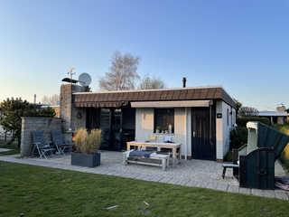 Ferienhaus vor dem Deich Das schöne Ferienhaus vor dem Deich in Tossens ...