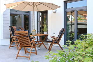 TreibGood Terrasse mit Gartenmöbeln
