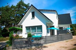 Ferienwohnungen Dierhagen MOST 890 Hausansicht / Eingang Fewo vorn