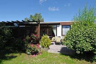 Ferienhaus Seebrise Terrasse und Garten