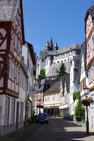 Blick aus der Altstadt auf das Grafenschloss