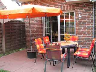 Am Kurzentrum Wohnung Backbord Jagoda Terrasse mit Gartenmöbel