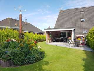 Doppelhaushälfte Bark Garten mit überdachter Terrasse