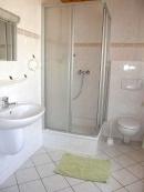 Typ 2 - Bad mit Dusche, WC Fön, extra WC