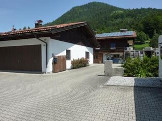 Ferienwohnung Del Toso Alpenblick Hausansicht vom Parkplatz
