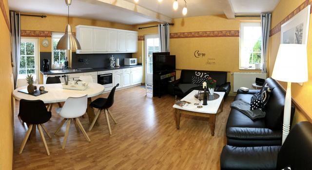Wohnzimmer von der 90qm Wohnung