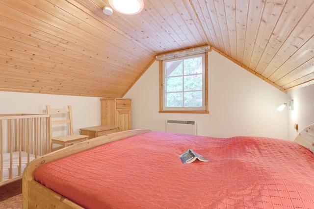 In allen Häusern: Doppelbett im Obergeschoss