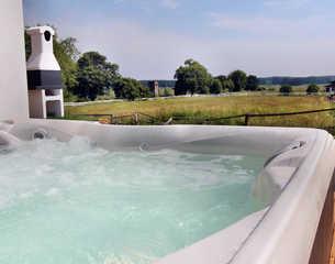 VILLA ALBA / Luxus-EG-Fewo Eigener Außenwhirlpool im Gartenbereich (ganzjä...