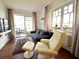 Villa Seeadler Wohnzimmer mit Massagesessel