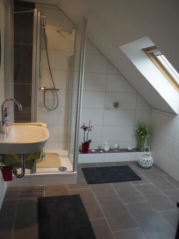 Neues Badezimmer im OG