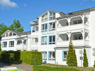 Haus Holstein F 567 WG 06 im 1.OG + Balkon zur Abendsonne Haus Holstein im Ostseebad Sellin Hausansicht