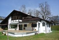 BERG-Diamant Haus von hinten mit Garten