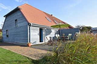 Landhaus mit Südterrasse und Teich OFC 07