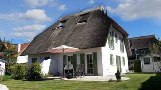 Usedomtourist Karlshagen Ahornweg 7a DHH Das Haus von außen