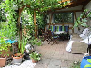 Ferienwohnung Wendel Gartenterrasse mit Liegesesseln