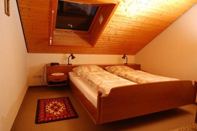 Schlafzimmer in Fewo 2
