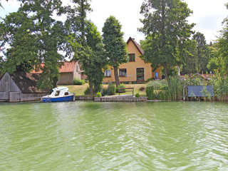 Ferienwohnung direkt am See Feldberg SEE 9661 Hausansicht vom See