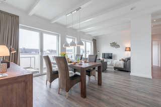 Residenz Seestern WE 15 - Penthouse Strandlounge Essbereich