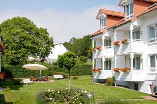 Appartementanlage Binzer Sterne*** Außenanlage mit Terrasse