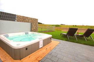 Luxus-Ferien-VILLA SANSIBAR Eigener Außenwhirlpool (ganzjährig 38 ° C) im G...