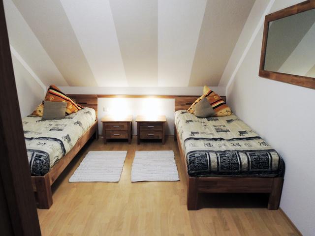 Schlafzimmer (Einzelbetten) Wohnung I
