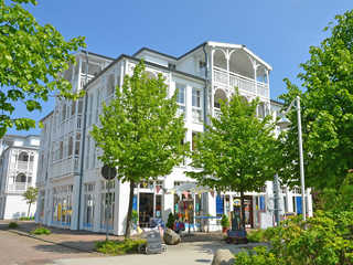 Seepark Sellin F547 WG 382 im 3. OG mit Strandkorb + Balkon Seepark Sellin im Ostseebad Sellin Hausansicht