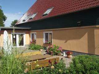 Familiäre Pension & Ferienwohnungen Lindenhof Ansicht Haupteingang Pension