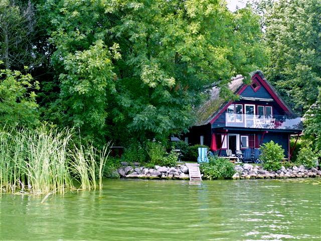 Blaues Reetdachhaus Reetdachhaus Schweriner See