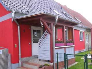 komfortable Ferienwohnung mit gepflegtem Grundstück Eingang