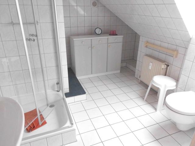 Nr. 34 Bad mit Fenster