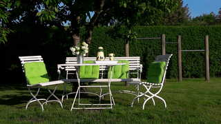 Ferien unter den Linden F 970 Sitzecke im Garten