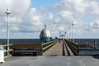 Fewo an der Bernsteintherme *300m vom Strand entfernt* Seebrücke und Tauchgondel an der Promenade von ...