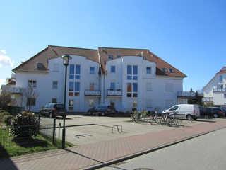 *Maisonette-Ferienwohnung in Graal-Müritz / Lange Eingang mit Stellplatz