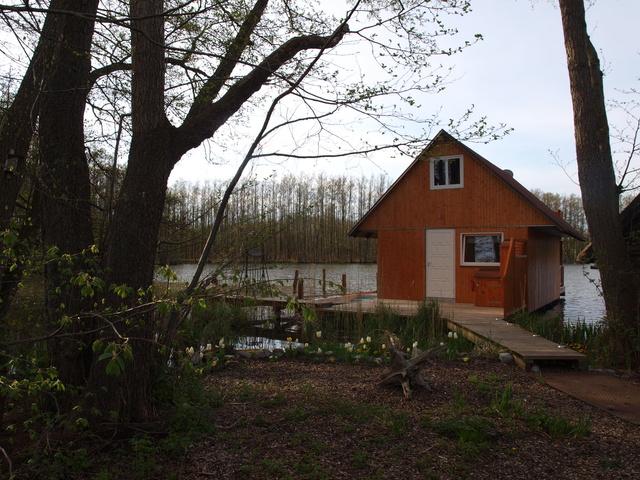 Bootshaus vom Land