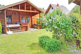 Holz-Ferienhäuser Rechlin SEE 9800 zwei Ferienhäuser auf separatem Grundstück