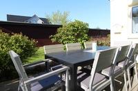 Böltser Hus Terrasse möbliert für bis zu 8 Personen